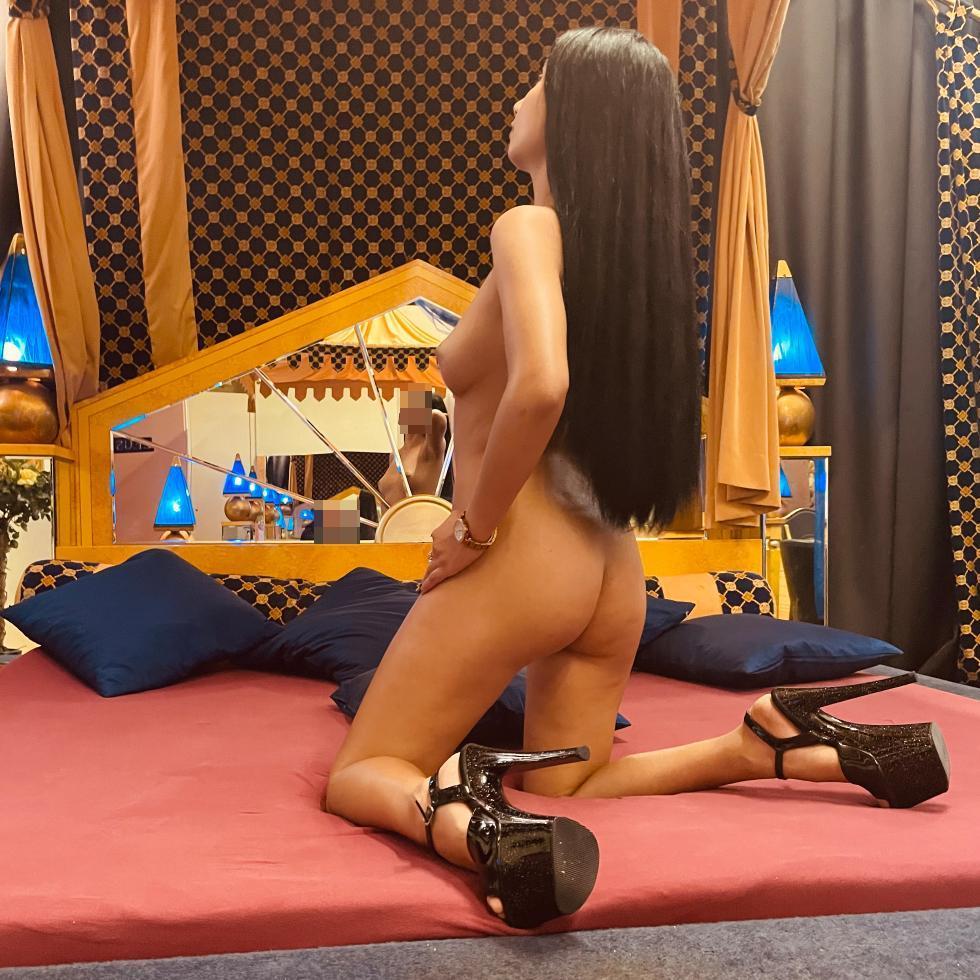 Club Aphrodite – Mihaela
