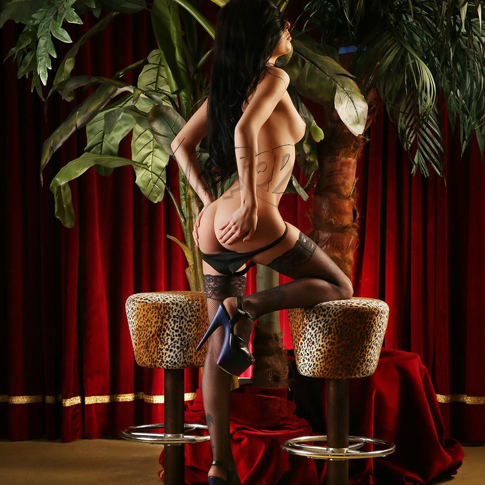 Club Aphrodite – Lora