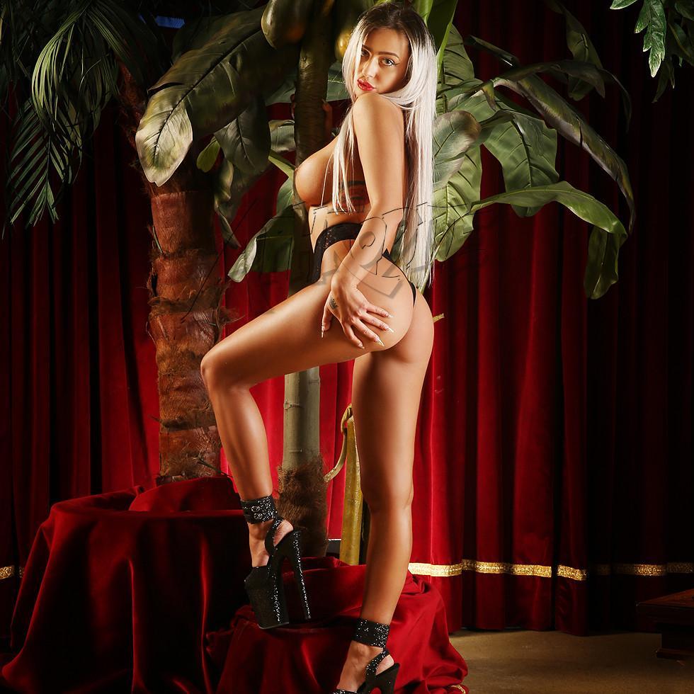 Club Aphrodite – Emma